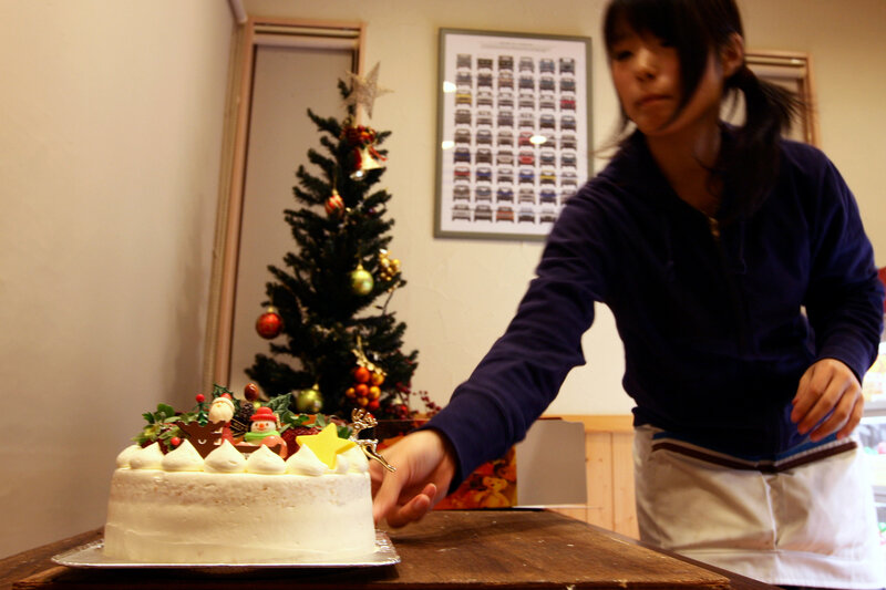 japans beloved christmas cake isnt about christmas at all