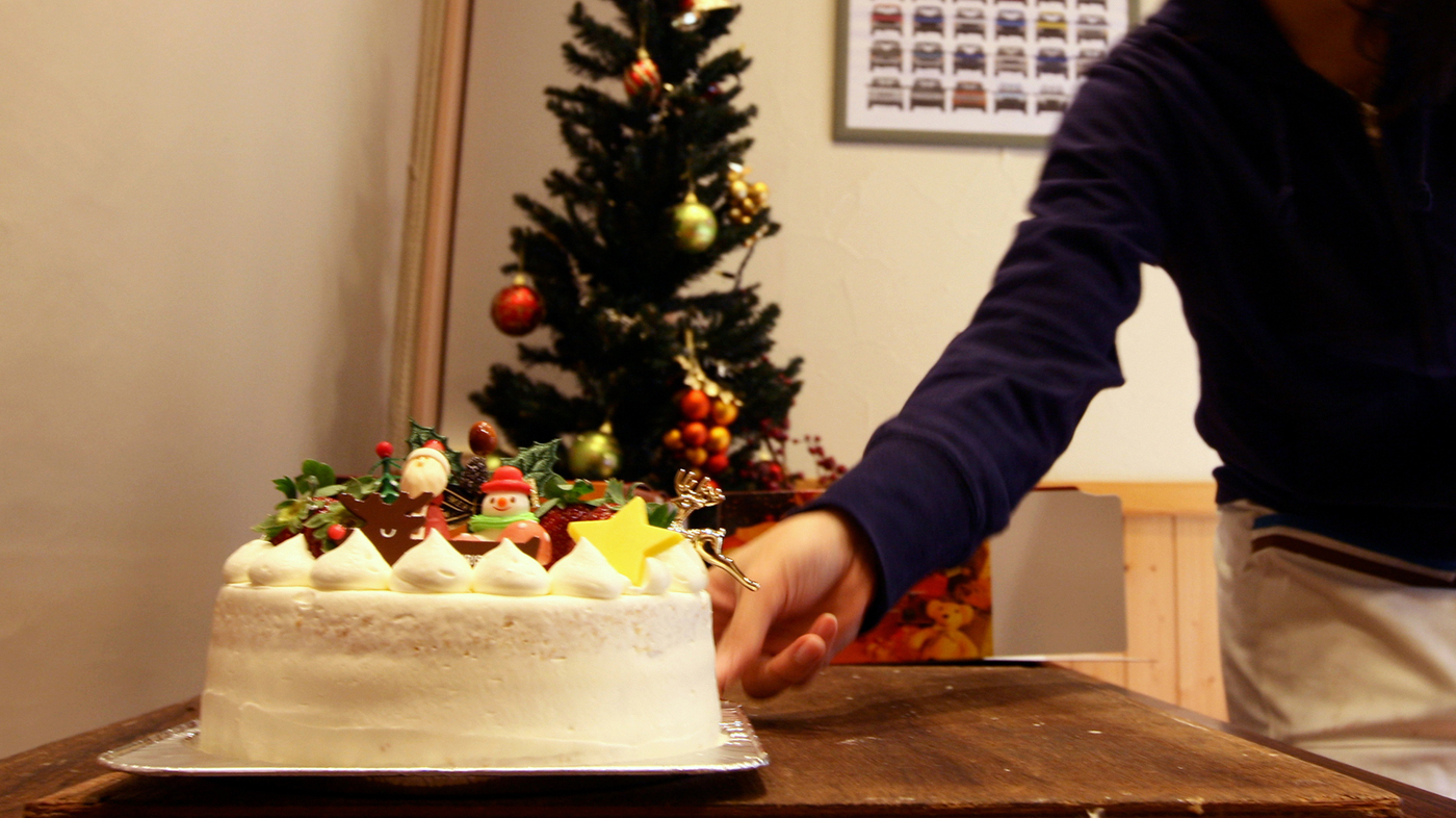 japans beloved christmas cake isnt about christmas at all the salt npr - Japanese Christmas Decorations
