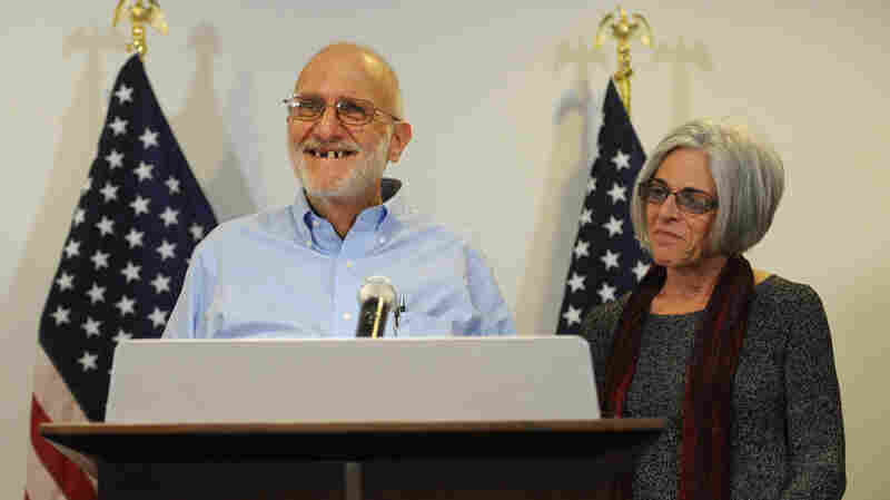 Alan Gross and his wife, Judy, in Washington on Wednesday after his release from a Cuban prison.