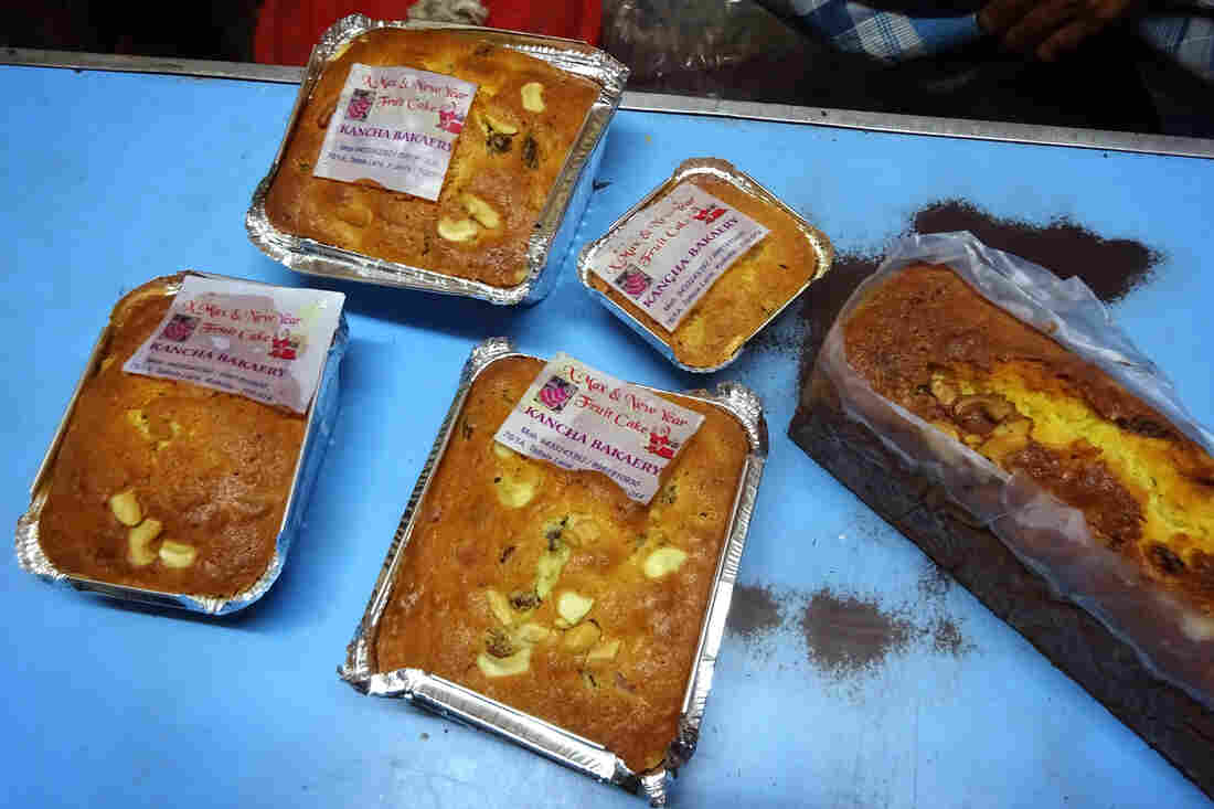 The Muslim-owned Kanchan Bakery specializes in bread and biscuits all year round. But during Christmas, the bakery has its own line of Christmas fruitcakes. It also rents out its ovens to those who want to bake their own cakes.