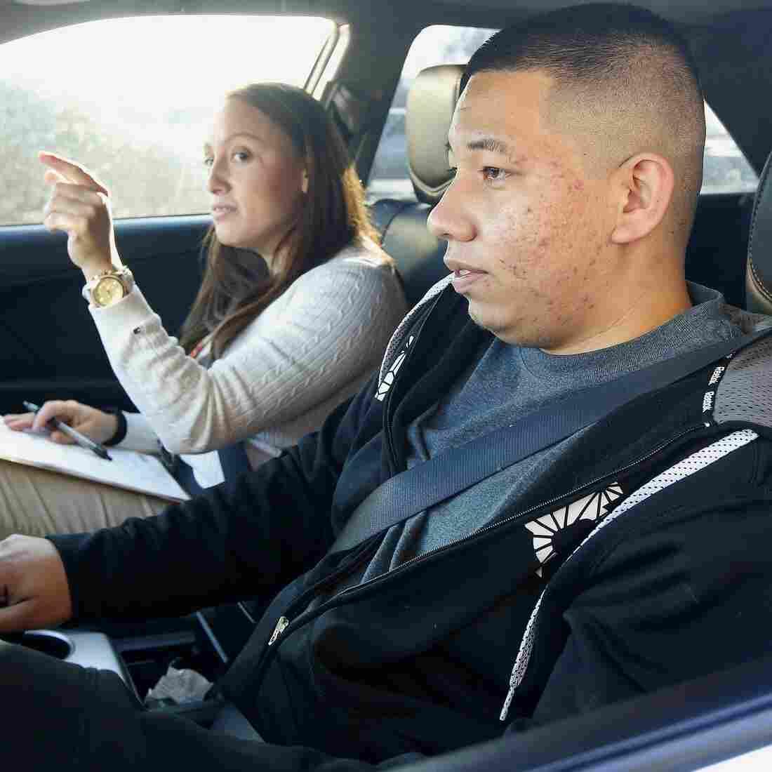 'Dreamer' Immigrants Apply For Arizona Driver's Licenses