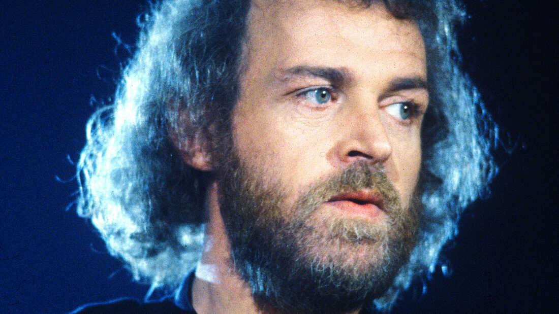 Singer Joe Cocker Dies At Age 70
