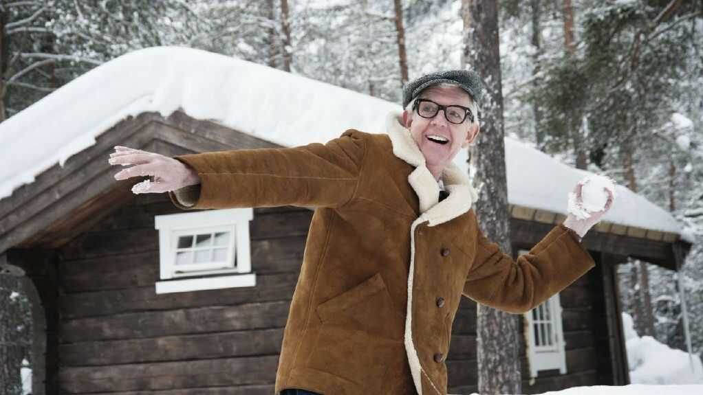 Nick Lowe Brings His 'Quality Holiday Revue' To America