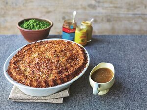 Jamie oliver up to his elbows in mashed potatoes with comfort food shepherds pie forumfinder Image collections
