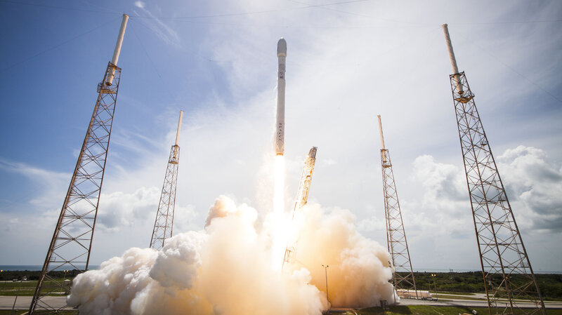 The First Stage of SpaceX Rocket Comes in for Perfect Landing