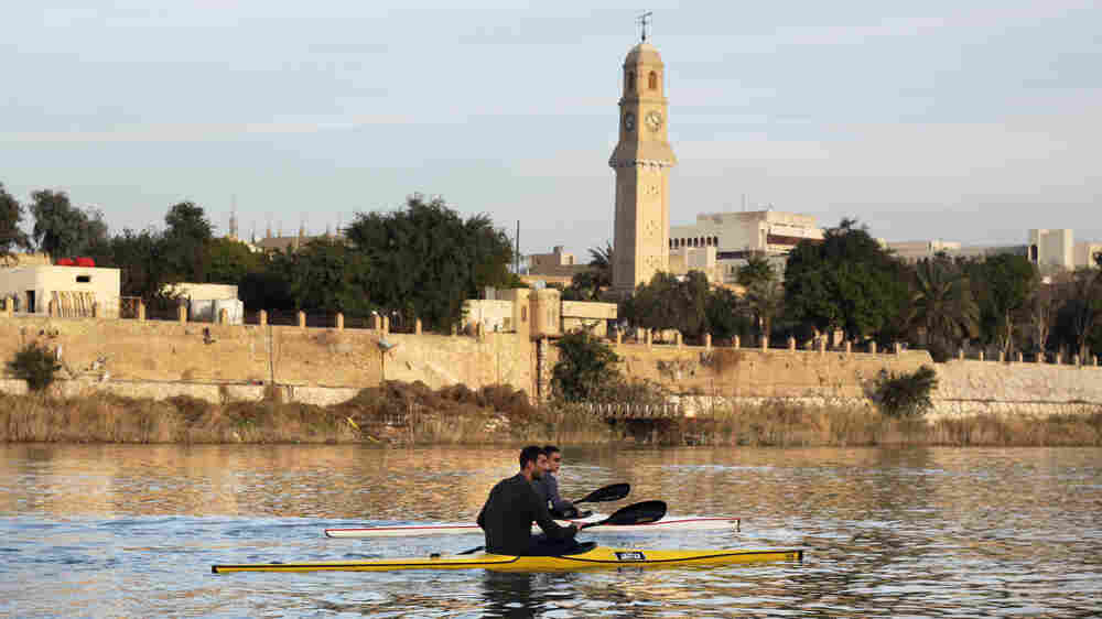 Life Flows Back Into The Waters Of Baghdad's Tigris