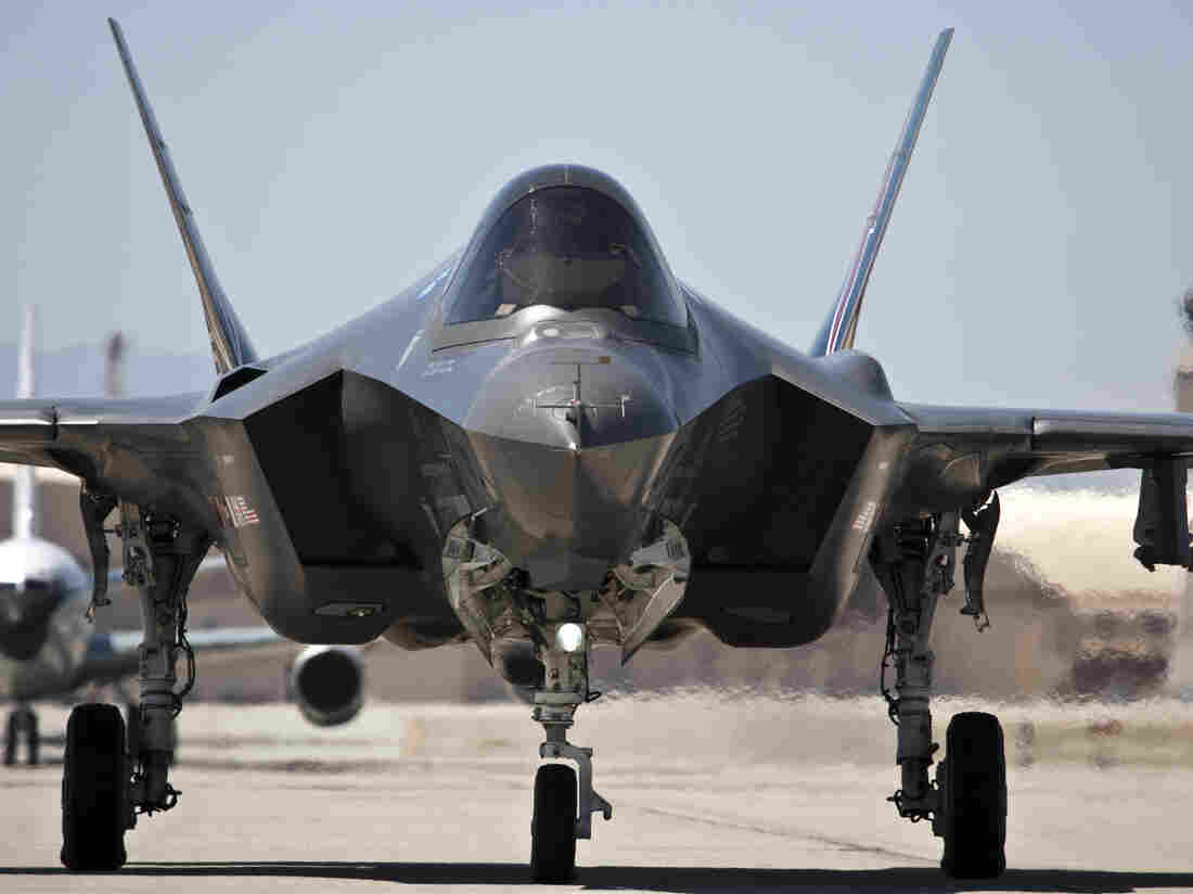 An F-35 fighter taxis at Edwards Air Force base, in 2012. The cutbacks in U.K. will be offset by new forces needed for the aircrafts' deployment to RAF Lakenhealth.