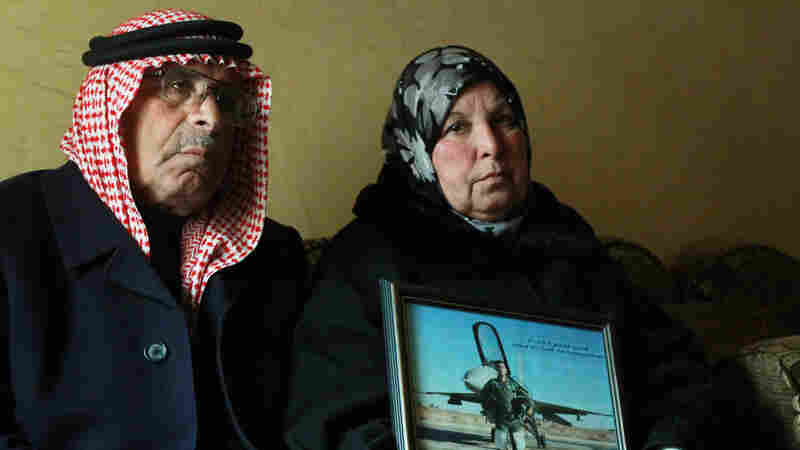 Safi al-Kasasbeh and his wife Saafia are the parents of Moath al-Kasasbeh, the Jordanian air force pilot captured by the self-proclaimed Islamic State in Syria. The worried parents are proud of their son, but say Jordan should not be involved in the coalition against ISIS.