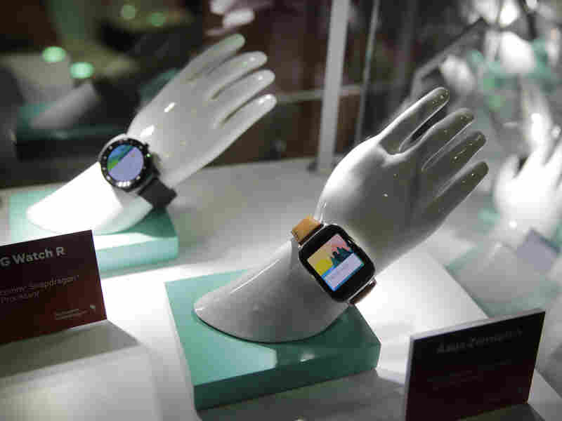 Smart watches based on Qualcomm chipsets are displayed at CES — but do consumers want them?