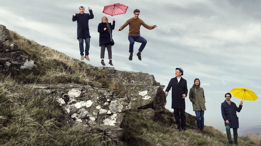 First Listen: Belle And Sebastian, 'Girls In Peacetime Want To Dance'