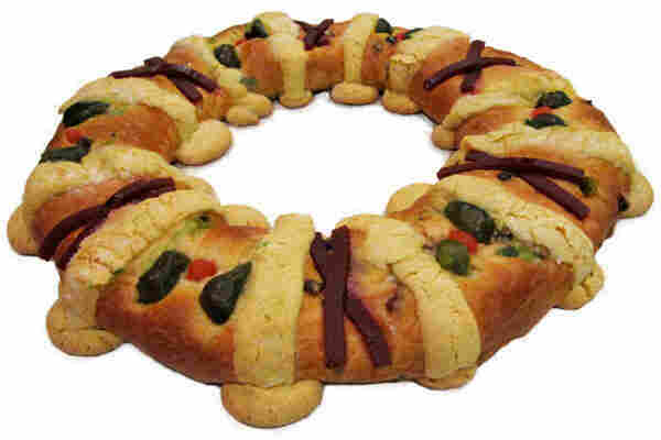 A Rosca de Reyes is a traditional holiday bread.