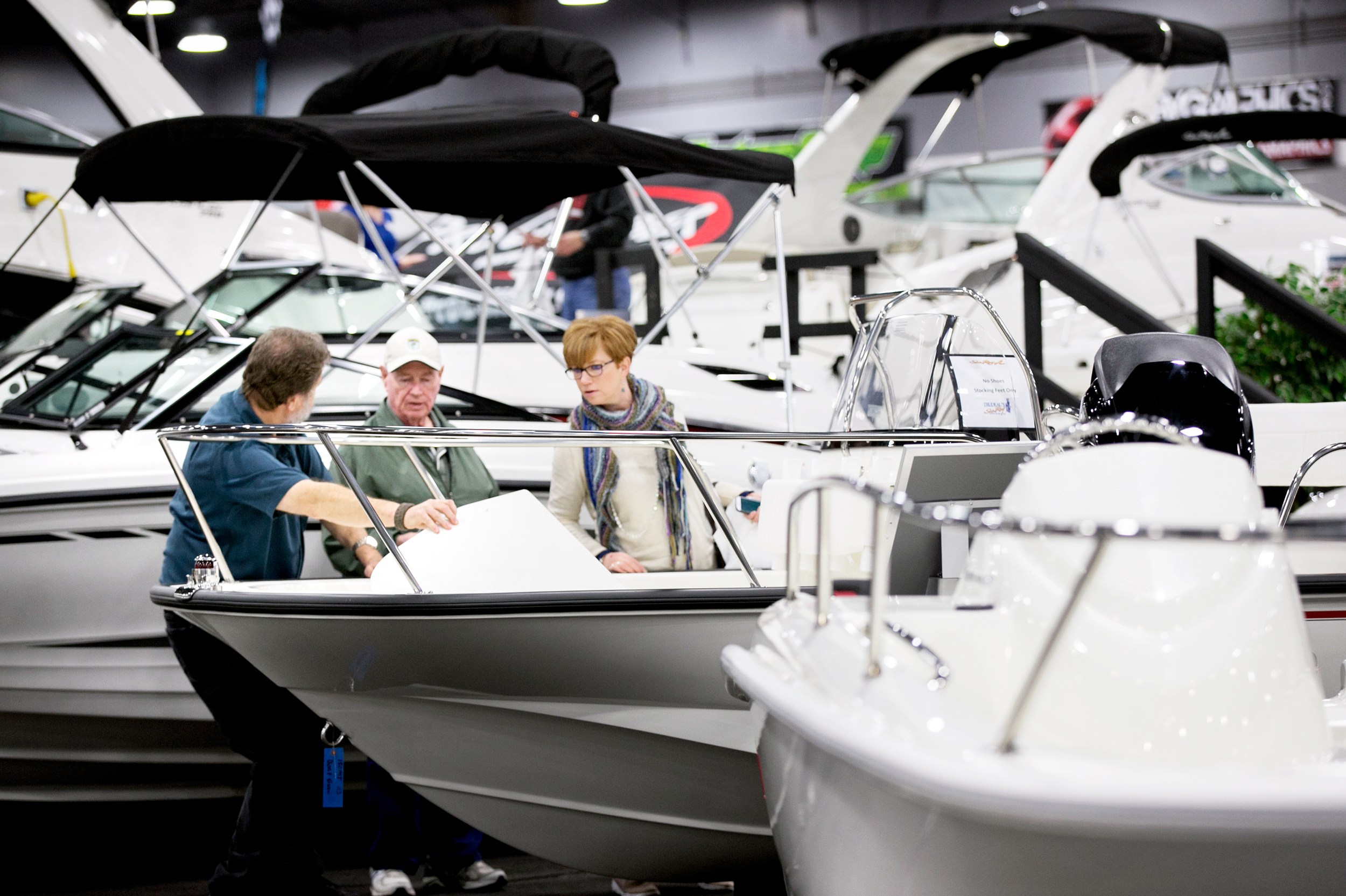 Lower Gas Prices, Faster Economy Float Boating Industry