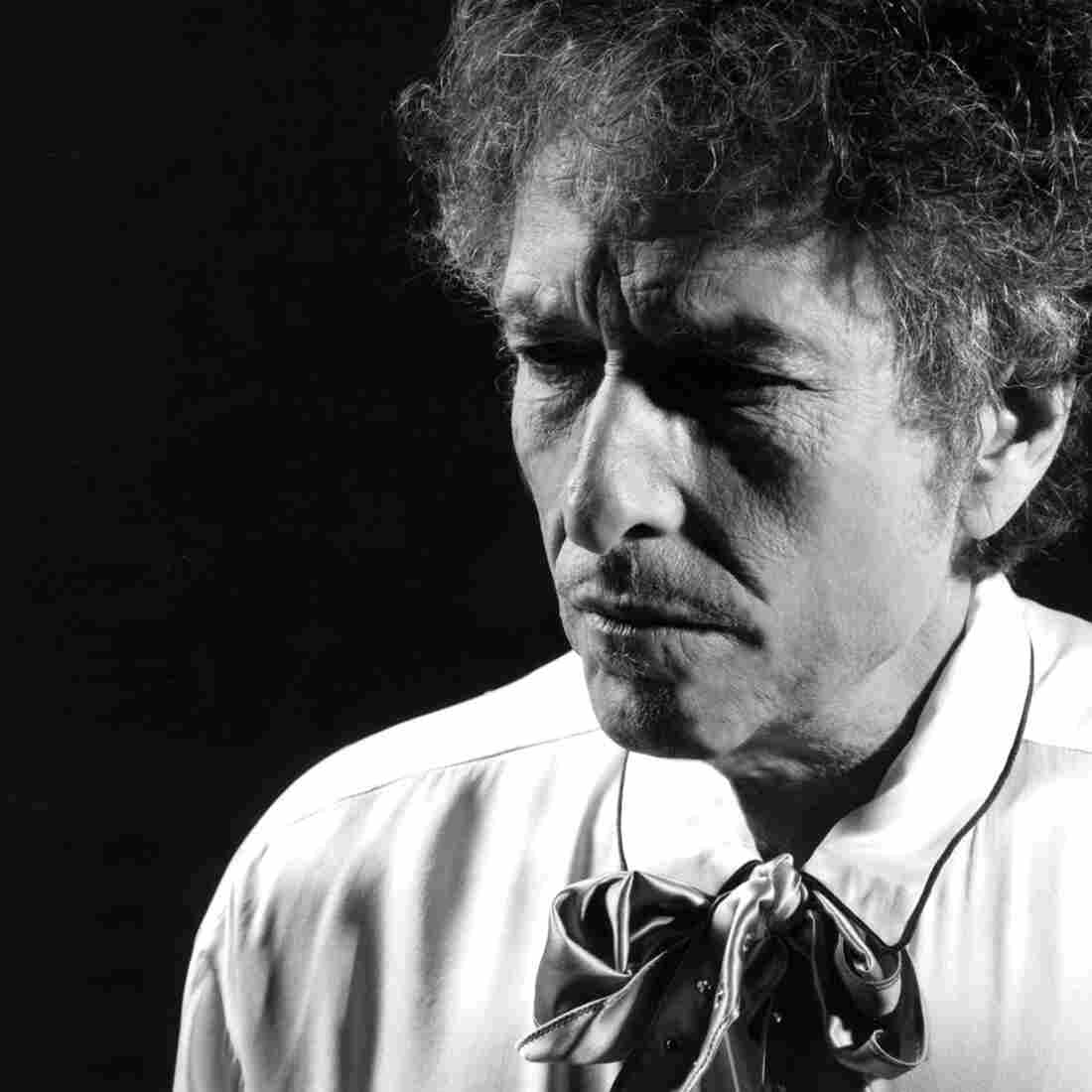 Bob Dylan's next album, Shadows In The Night, out on February 3, is a selection of songs made famous by Frank Sinatra.