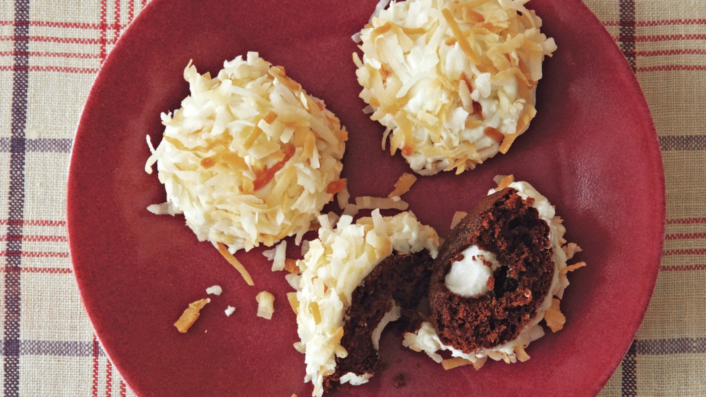 Hostess Isn't The Mostest: Make Your Own Sno Balls At Home