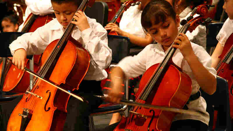 Young members of the Latino Arts: Strings program.