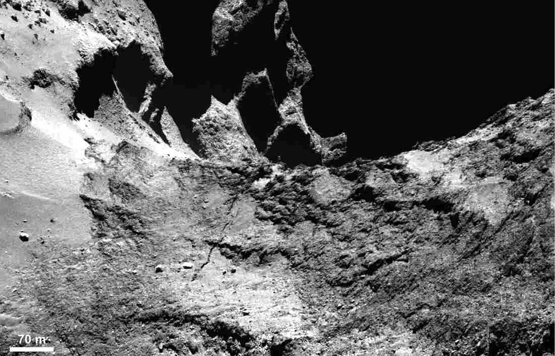 A narrow-angle camera image shows part of a large fracture running across Comet 67P/Churyumov–Gerasimenko's neck.