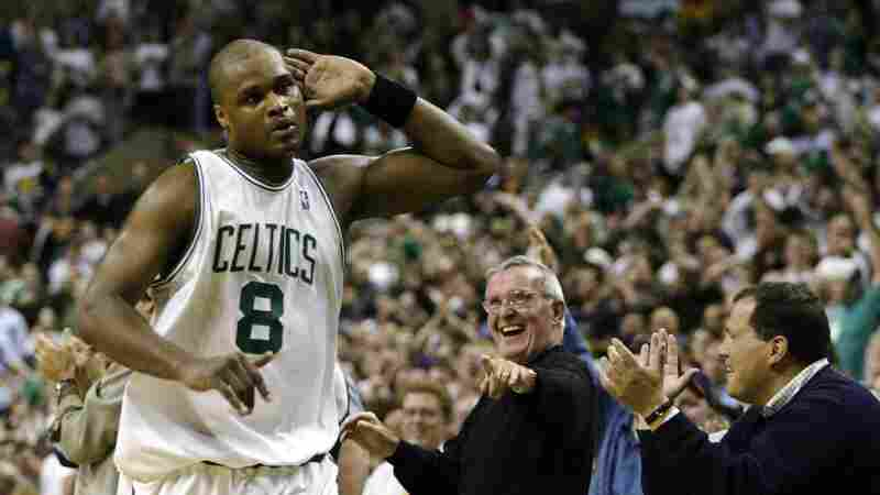 Antoine Walker took a lot of 3-point shots during his NBA career, despite hitting them at a subpar rate. He also went bankrupt two years after retiring, despite collecting $110 million in salary during his playing career.