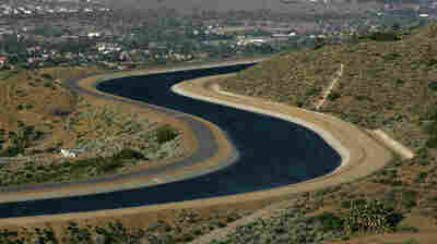 The California Aqueduct carries water from the Sierra Nevada Mountains to Southern California. It is one of four aqueducts in the region that glide across the San Andreas Fault.