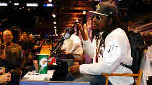 """Addressing journalists at the Super Bowl media day, Marshawn Lynch had only one message: """"I'm just here so I won't get fined."""""""