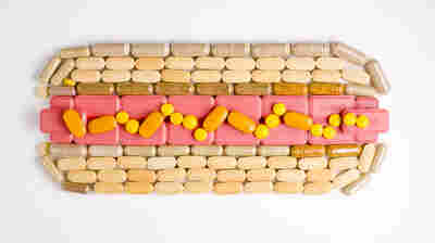 Ideally, we'd all eat super healthful diets. But that's not the world we live in, and multivitamins may help bridge the nutritional gaps.