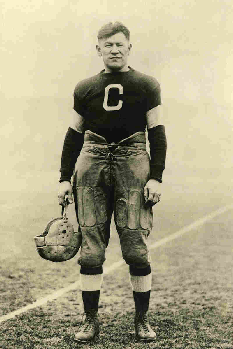 In 1915, American sporting legend Jim Thorpe signed with the Canton Bulldogs, an Ohio powerhouse in the early days of professional football.