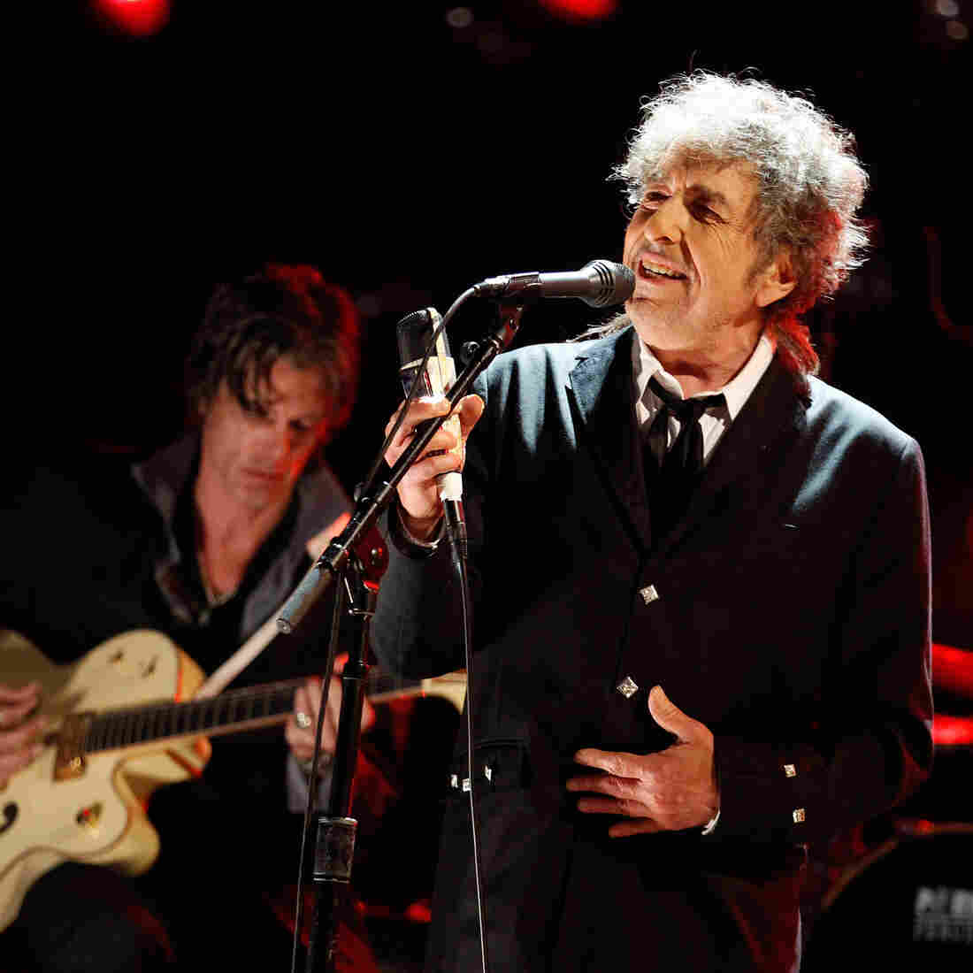 To Promote A New Album, Bob Dylan Gave His Only Interview To ... The AARP?