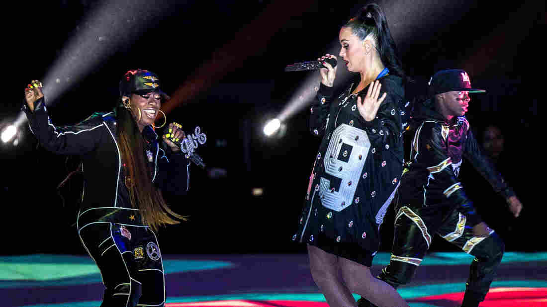 Missy Elliott (left) joins Katy Perry during the 2015 Super Bowl Halftime Show.
