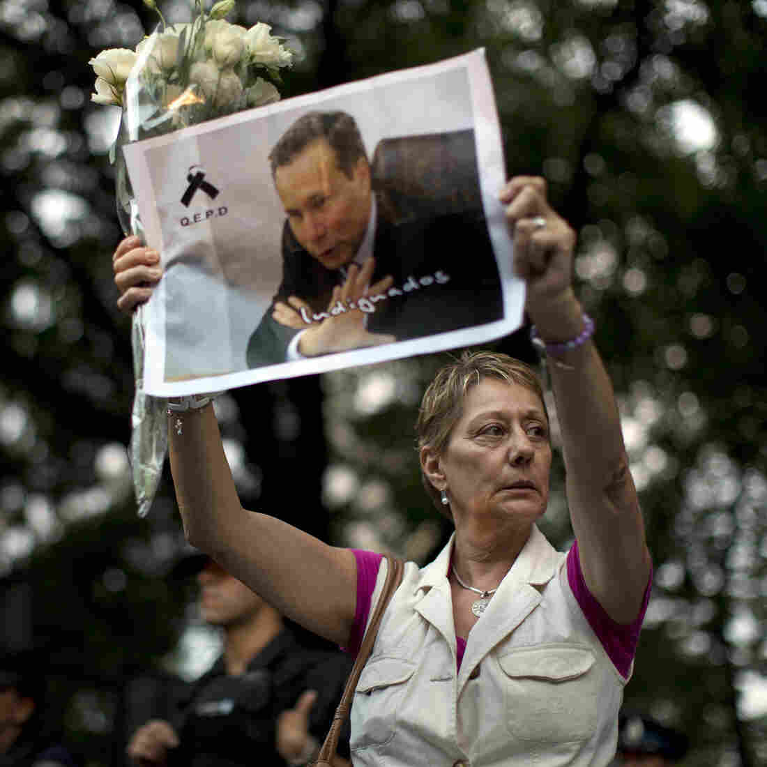 Arrest Warrant For Argentine President Found In Dead Prosecutor's Home