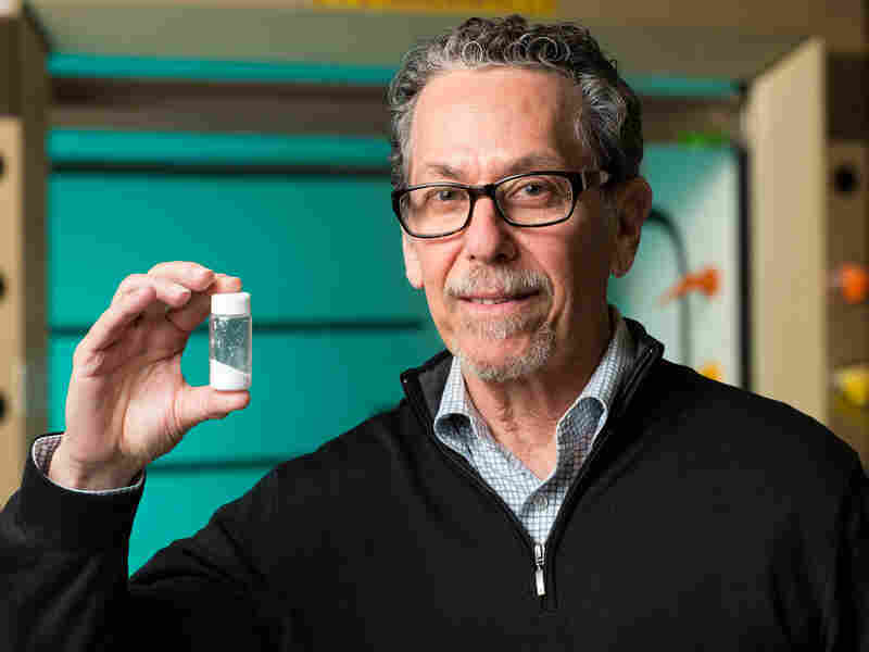 Ronald Evans, director of the Salk Institute's Gene Expression Laboratory, has developed a compound called fexaramine that acts like an imaginary meal. He hopes fexaramine, which tricks the body into burning fat as if it has consumed calories, will lead to an effective obesity and diabetes treatment in humans.