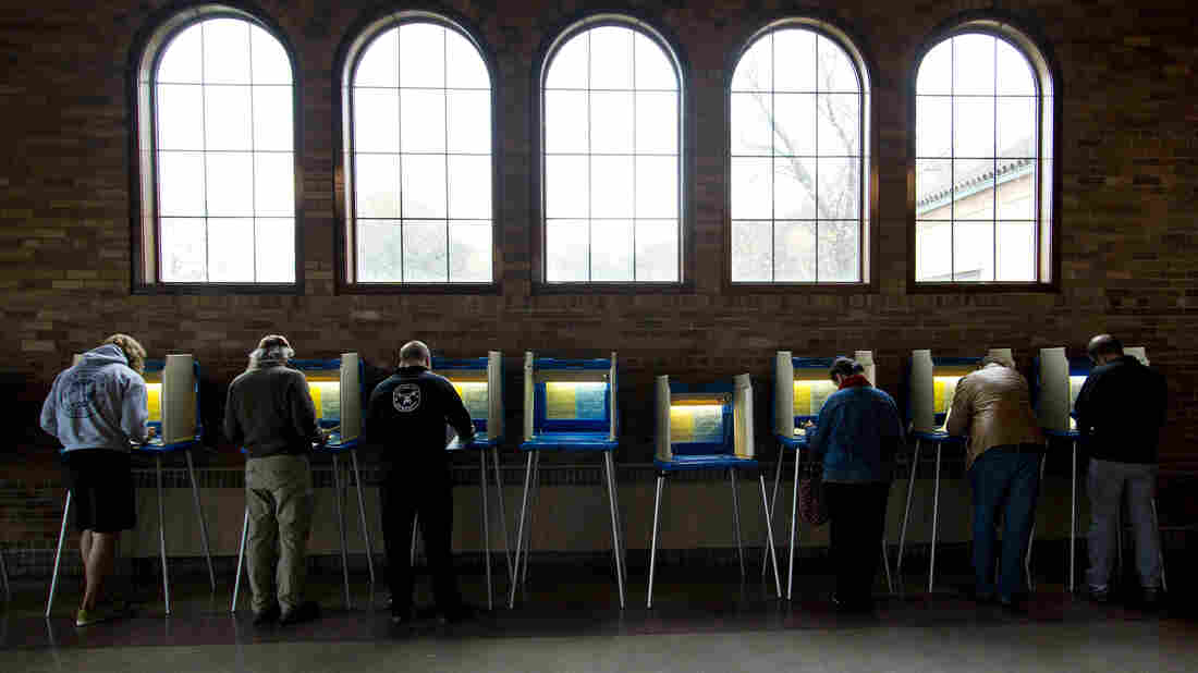 Citizens cast their ballots at the South Shore Park building in Milwaukee, Wis., on Election Day 2014.