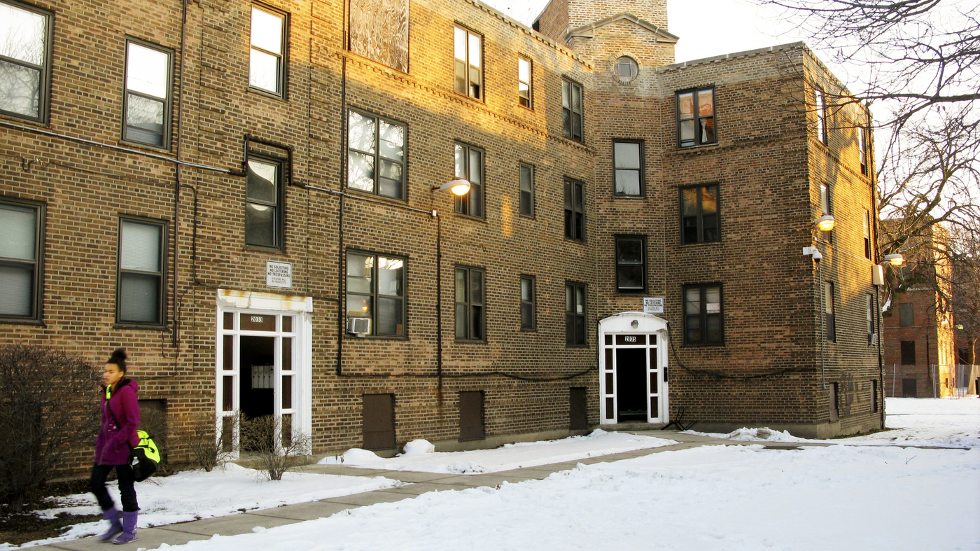 A Chicago Community Puts Mixed-Income Housing To The Test ...