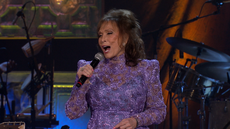 Loretta Lynn, 'Coal Miner's Daughter' (Live)