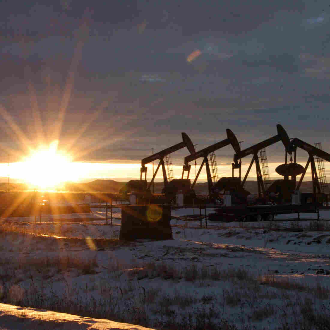 Oil Price Dip, Global Slowdown Create Crosscurrents For U.S.