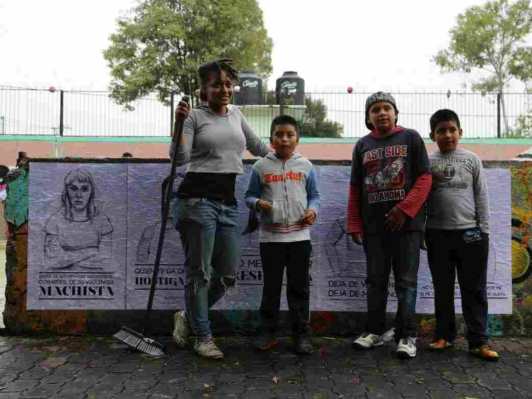 """Tatyana Fazlalizadeh, the woman behind """"Stop Telling Women to smile,"""" in Mexico City."""