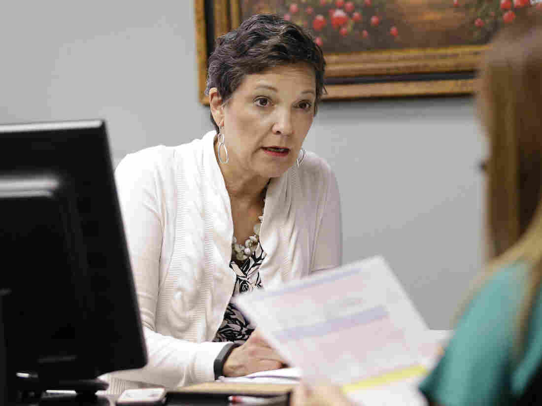 Dallas insurance agent Jo Ann Charron has worked with clients to help clear confusion over subsidies offered by plans on the federal health insurance exchange. This sort of free guidance can save insurance shoppers time and money, agents say.