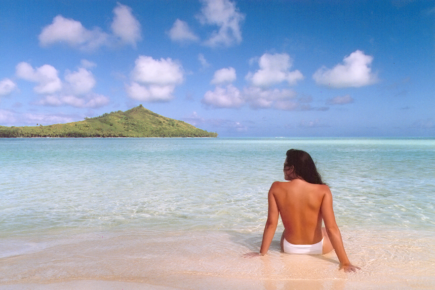 """Jennifer In Paradise,"" a photo of Jennifer Walters in Bora Bora in August 1988, was the first color image to ever be Photoshopped. John Knoll used the image of his then-girlfriend (now wife) to demo Photoshop to potential users."