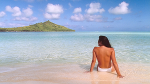 """""""Jennifer In Paradise,"""" a photo of Jennifer Walters in Bora Bora in August 1988, was the first color image to ever be Photoshopped. John Knoll used the image of his then-girlfriend (now wife) to demo Photoshop to potential users."""