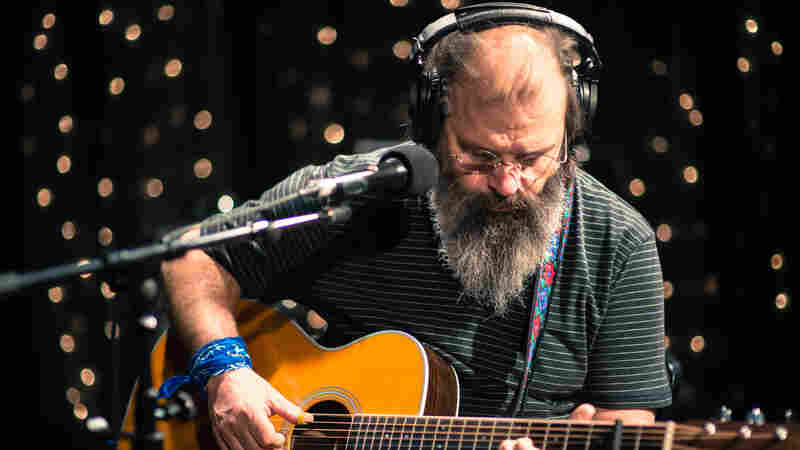 Steve Earle, 'King Of The Blues' (Live)