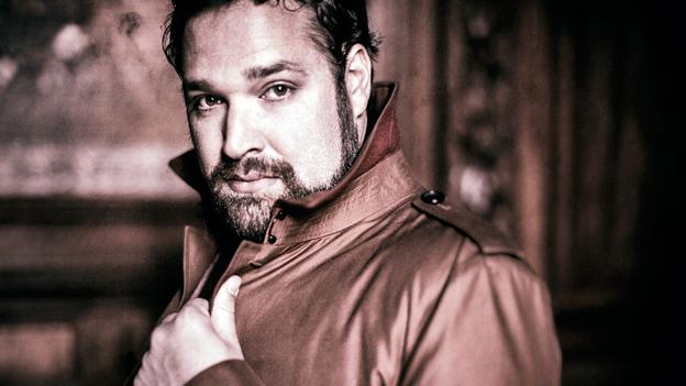 "Tenor Bryan Hymel sings shining high Cs in the Rossini aria ""Asile héréditaire."" (Warner Classics)"
