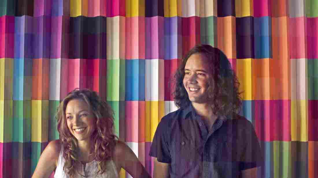 Emily Frantz (left) and Andrew Marlin of Mandolin Orange.