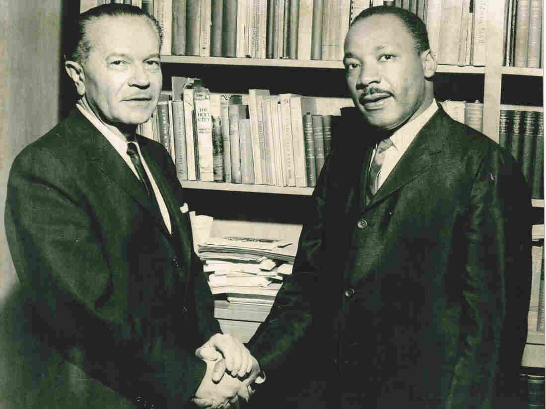 Rabbi Max Nussbaum (left) and Dr. Martin Luther King Jr. in Los Angeles.