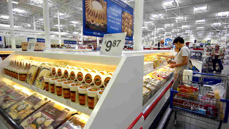 In 2013, Americans on average spent 5.6 percent of their disposable personal incomes on food they consumed at home.