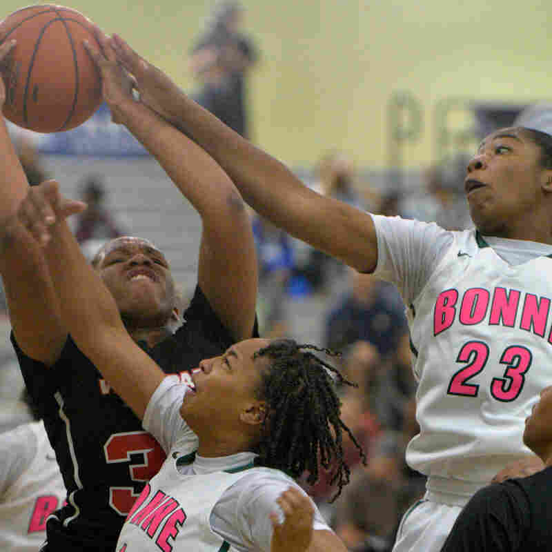 Narbonne takes on View Parkin in the L.A. City Section Girls Basketball Open Division Quarterfinal in Los Angeles, CA.