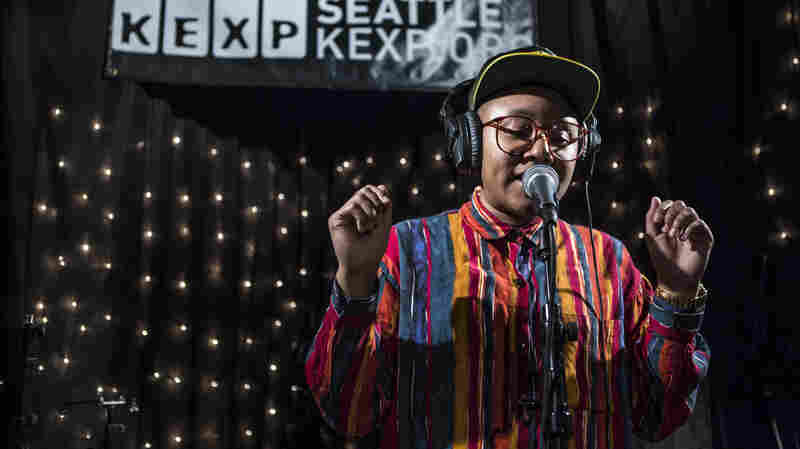THEESatisfaction performs live on KEXP.