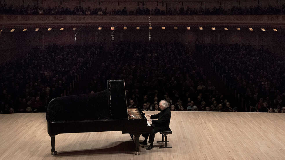 András Schiff Plays Mozart, Haydn, Schubert And Beethoven At Carnegie Hall