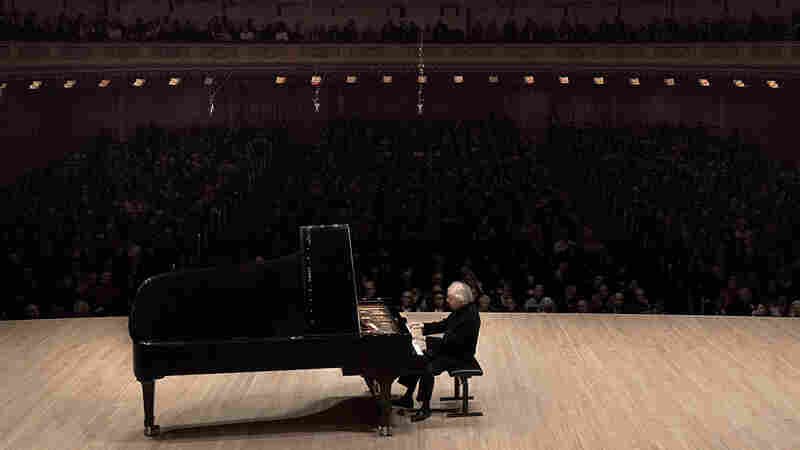 András Schiff takes late sonatas by Haydn, Mozart, Beethoven and Schubert to Carnegie Hall.