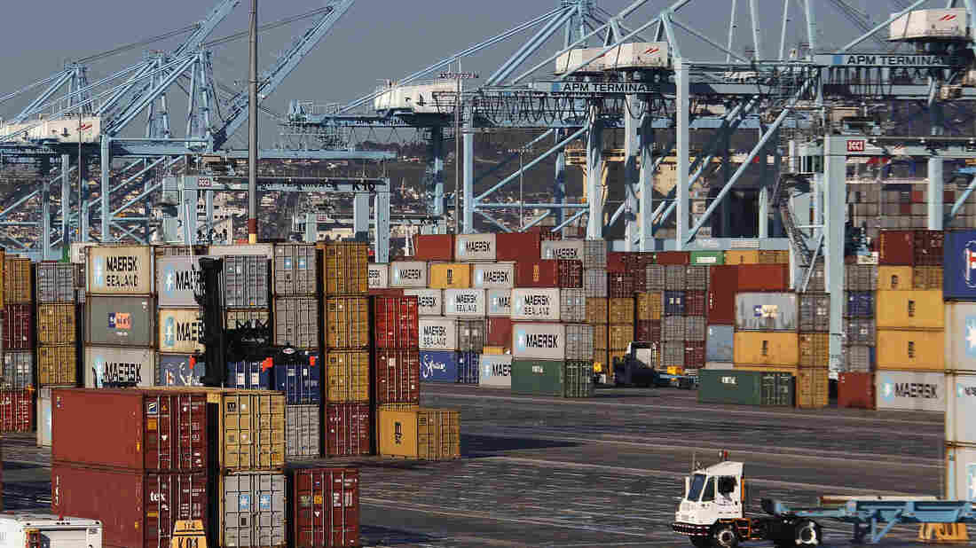 """Shipping containers at the Port of Los Angeles. Unions are stepping up their efforts to thwart White House plans for passing foreign trade deals on a """"fast track"""" through Congress."""