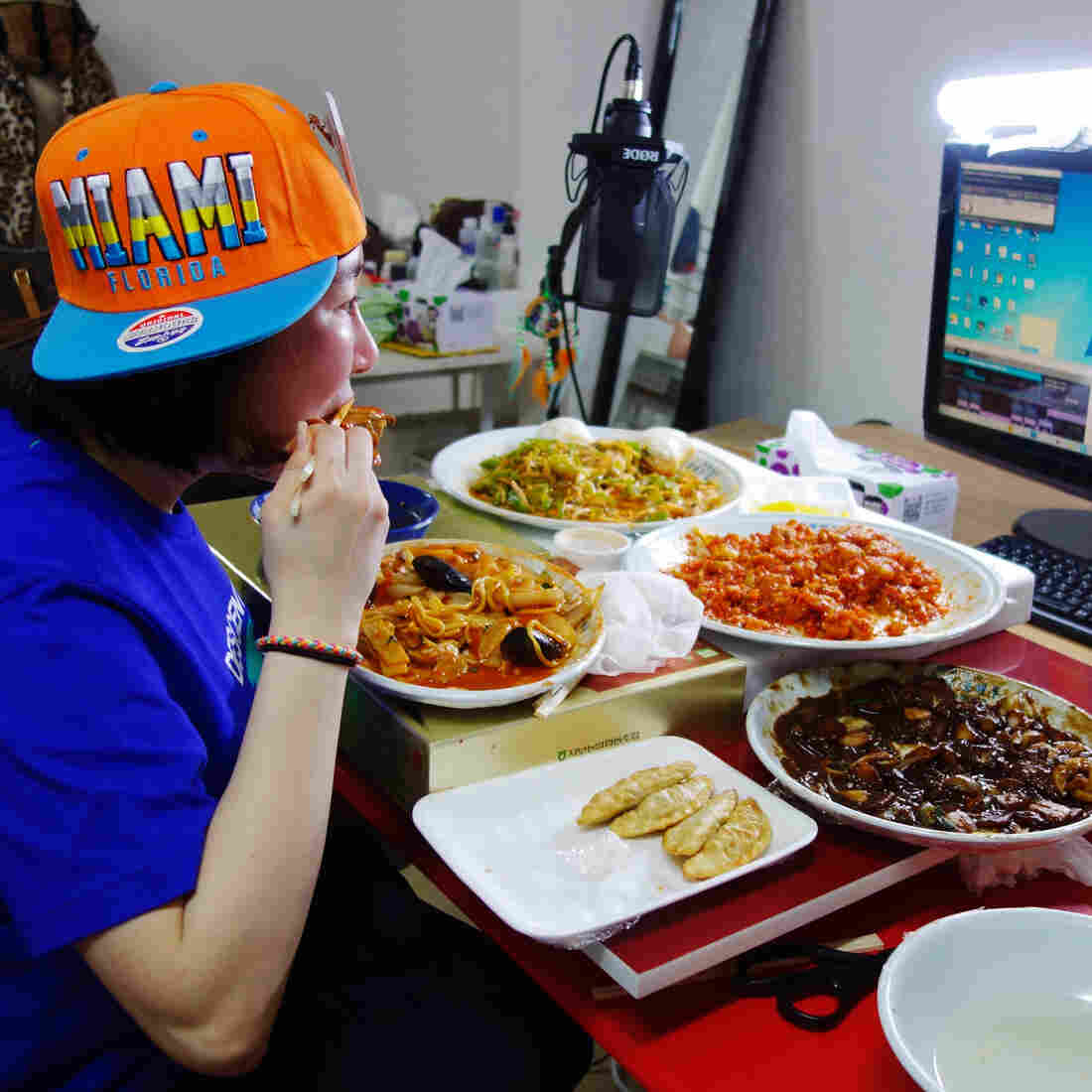 Koreans Have An Insatiable Appetite For Watching Strangers Binge Eat