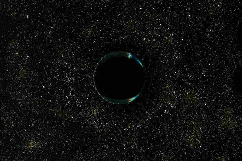 Black hole: bottom of a glass of coffee, salt, sugar, corn starch and cinnamon.