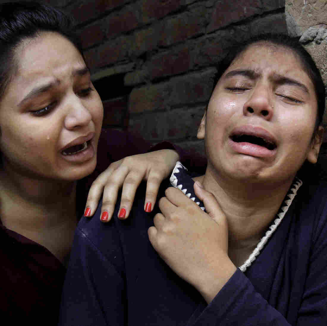 Suicide Bombers Target Sunday Services At 2 Pakistani Churches
